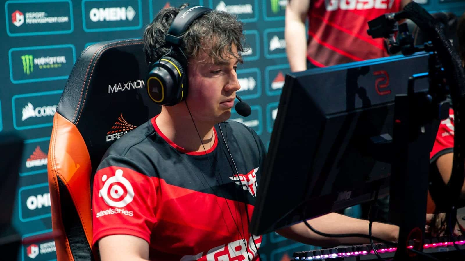 Complexity Bench RUSH, Sign es3tag